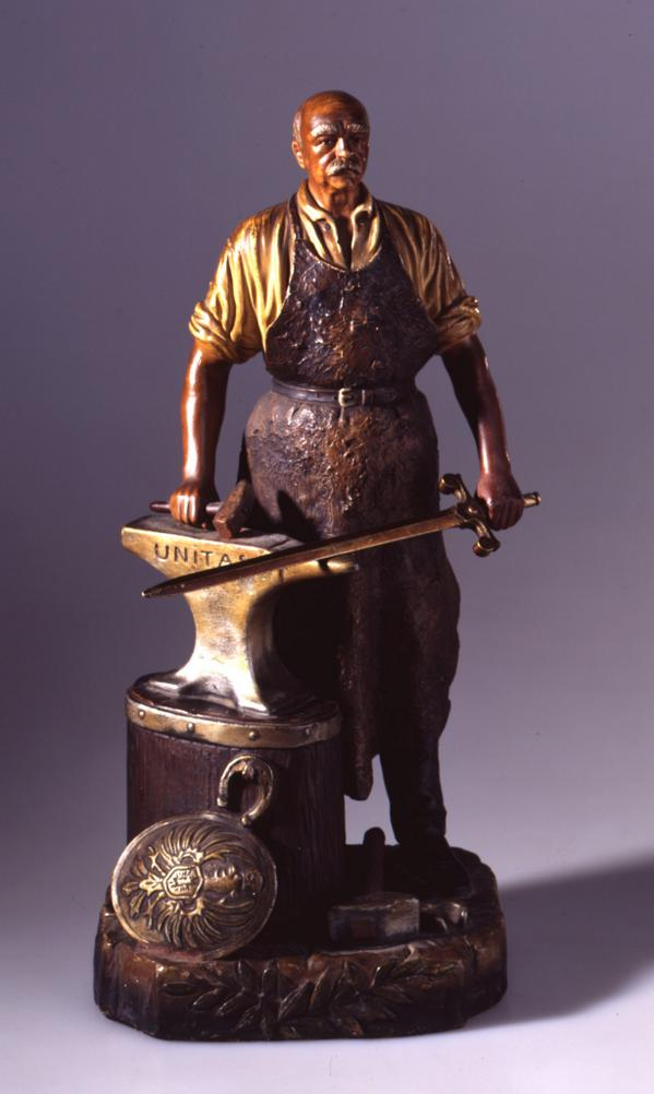 Bronze and terracotta statue of Bismarck as a blacksmith, inexpensive memorabilia, 1900