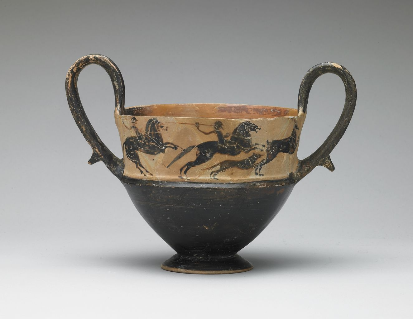 Kantharos with the depiction of two horsemen with spears and dog hunting stag, mid-6th century BC, Boeotian