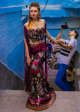 Behind the scenes of one of #FollowMeTo photos made by Murad Osmann and Natalia Zahkarova