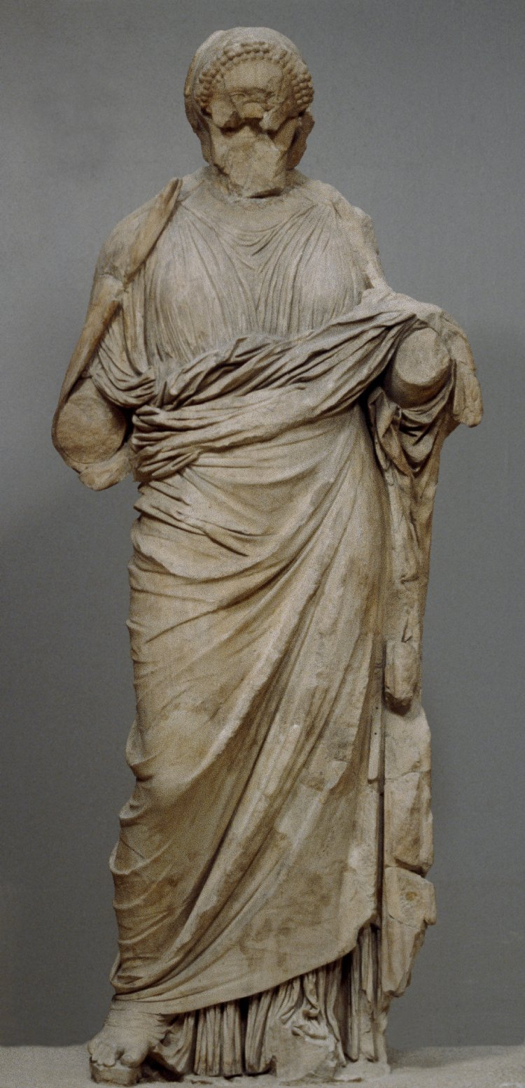 Marble statue from the Mausoleum of Halikarnassos, possibly Artemisia, cr. 350 BC, Halicarnassus, Caria, now Bodrum, Turkey